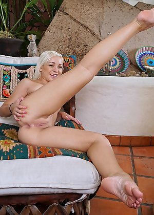 Model Cleo , IntheCrack Pussy Closeup Gold collection large clitoris images #9