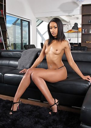 Model Skin Diamond , IntheCrack Pussy Closeup Gold collection close up of a vagina #7