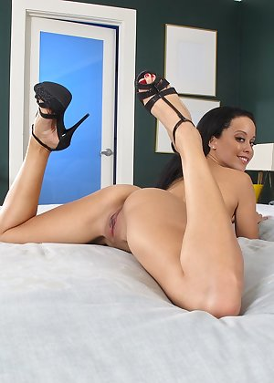 Model Mia Austin , IntheCrack Pussy Closeup Gold collection long pussy #10
